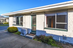 Two Bedroom Unit in a Handy Location