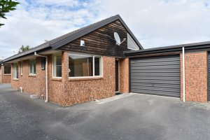 Central Location – Close to Town