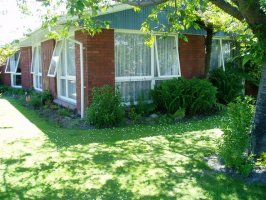 A Lovely Place to Call Home! Neg over $279,000