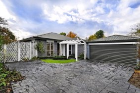 3 Bedroom T/House With Dble Garage! SOLD SOLD