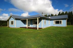 ***UNDER OFFER*** Ewe Beauty!