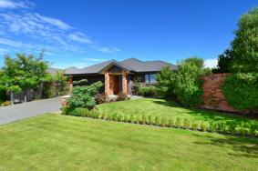 **Sorry, Now Under Offer**