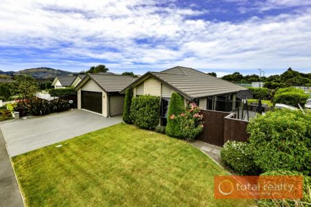 Immaculate Family Home In Immaculate Street