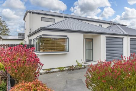 Refreshed 3 Bedroom Townhouse with Location
