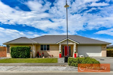 Large Family Home In Top Location