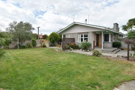Great Family Home – Large Garage