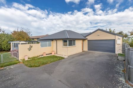 Under Offer Family-Friendly Find