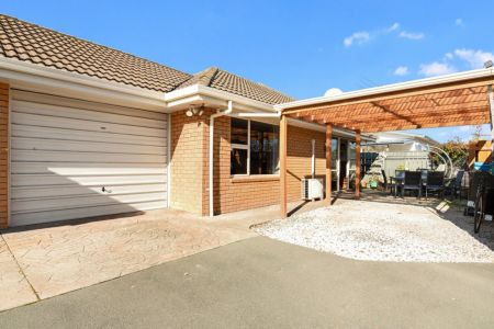 Town House Opportunity!