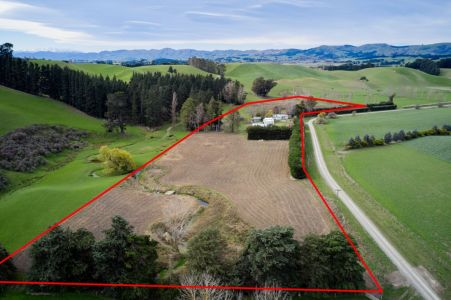 Entry-Level Lifestyle - 5ha With Sheds Galore