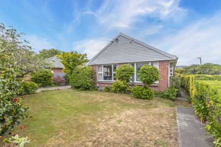 3 Bedroom Family Home In Need Of TLC