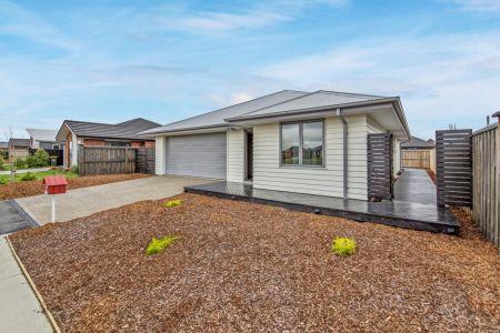 Contemporary Tech Home In Farrigdon