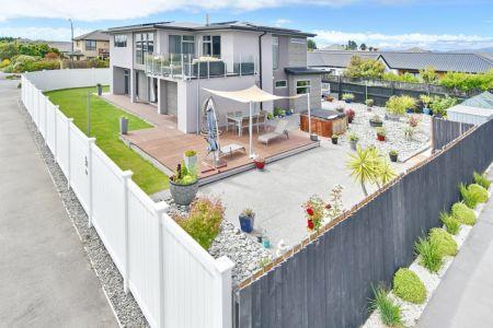 Big Home, Huge Opportunity!