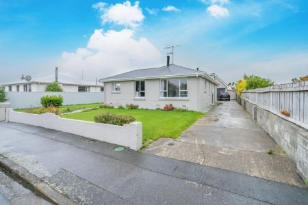 Welcome Large Families - Quick possession available
